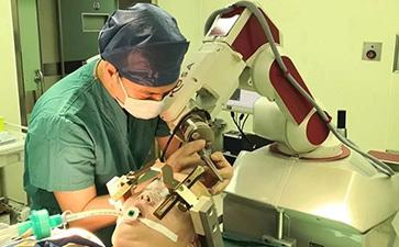 机器人辅助DBS治疗难治性癫痫