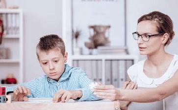 对于癫痫患儿家长该怎样相处